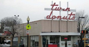 TWIN DONUTS PHOTO 22222-thumb-520x390-127815
