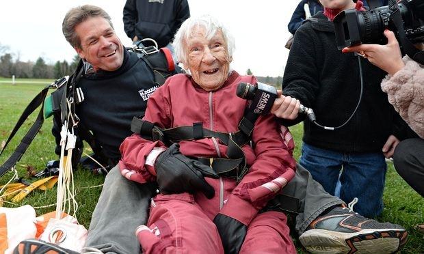 woman skydive