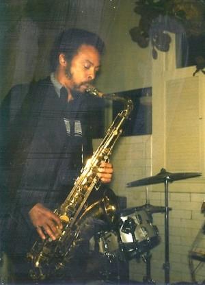 Pat_Patrick_January_1981,_jamming_at_a_club_in_Portland,_OR
