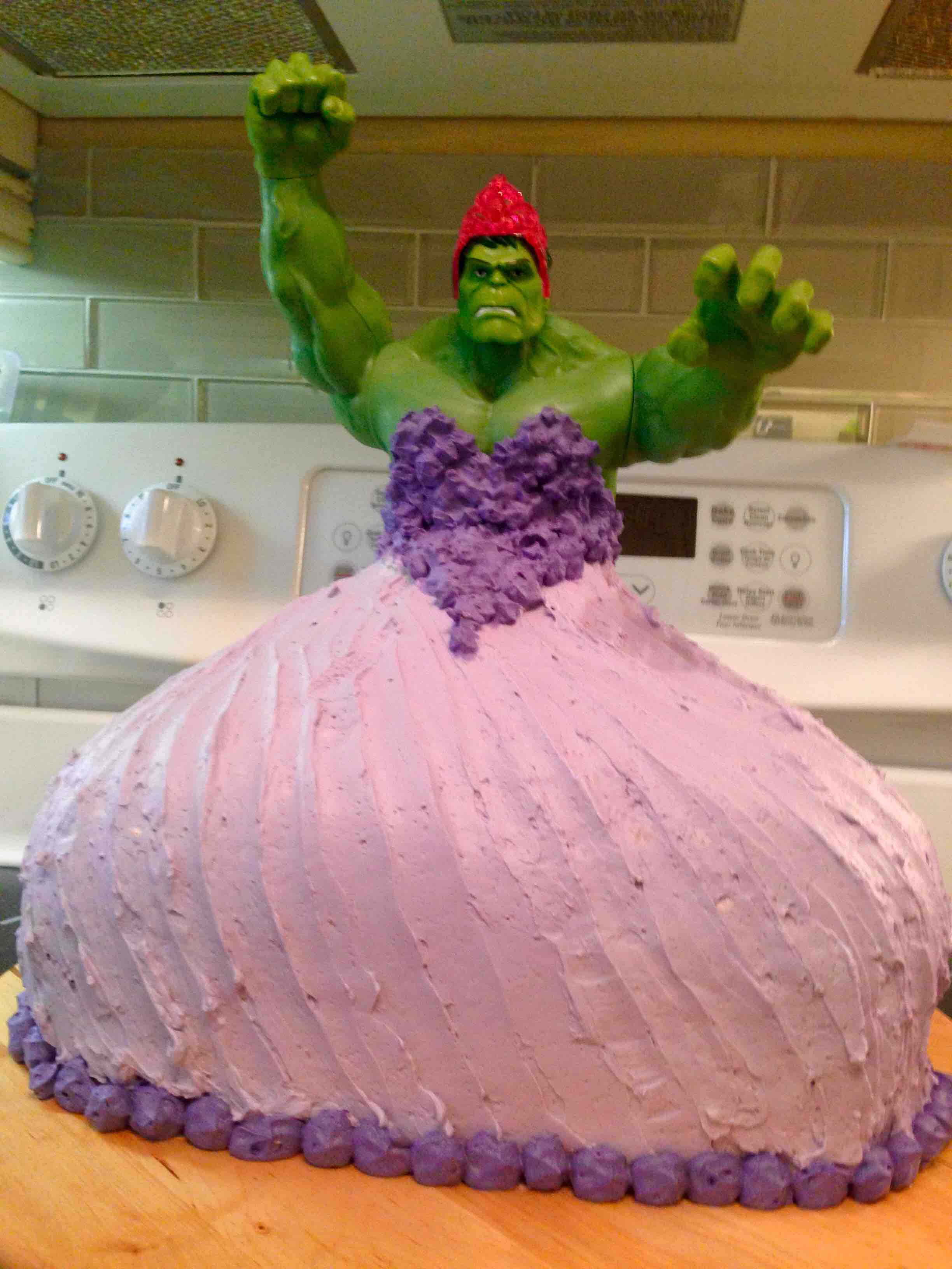 His twin daughters asked for a Princess Hulk birthday cake He