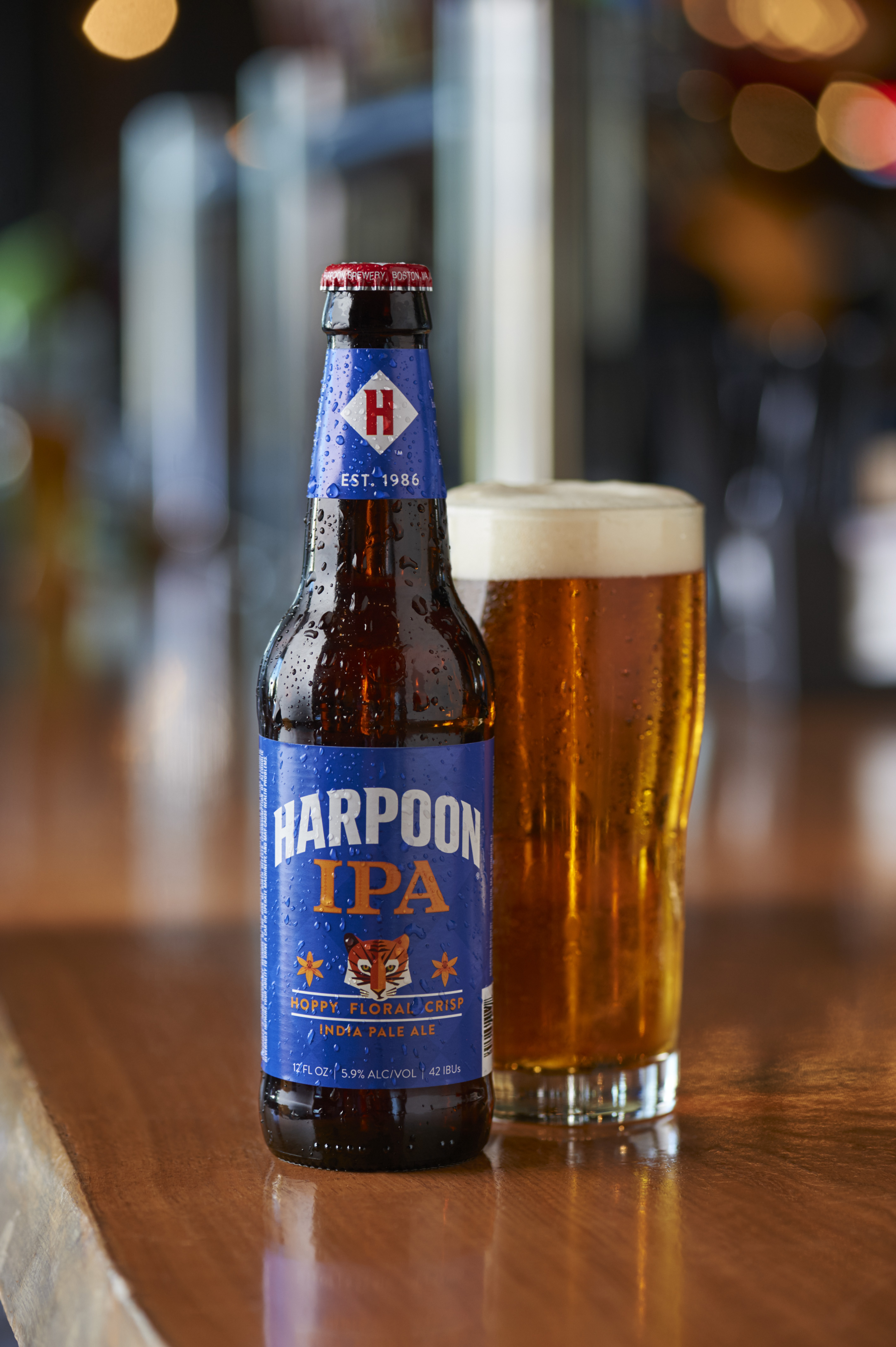 NEW-Harpoon-IPA-on-Bar